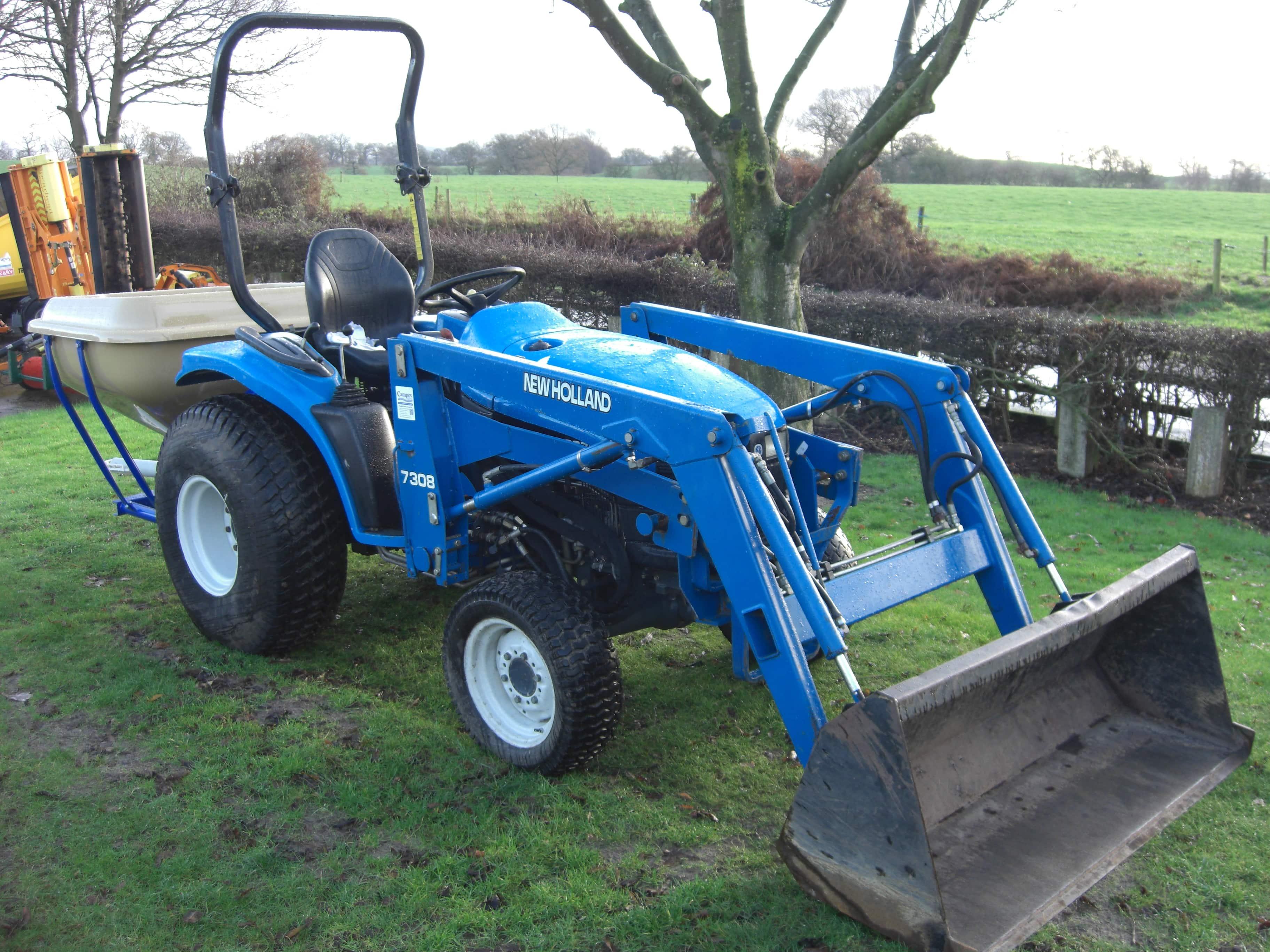 New Holland TC27D Tractor U3359