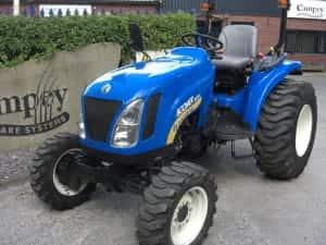 New Holland Boomer 2030 Tractor U3551