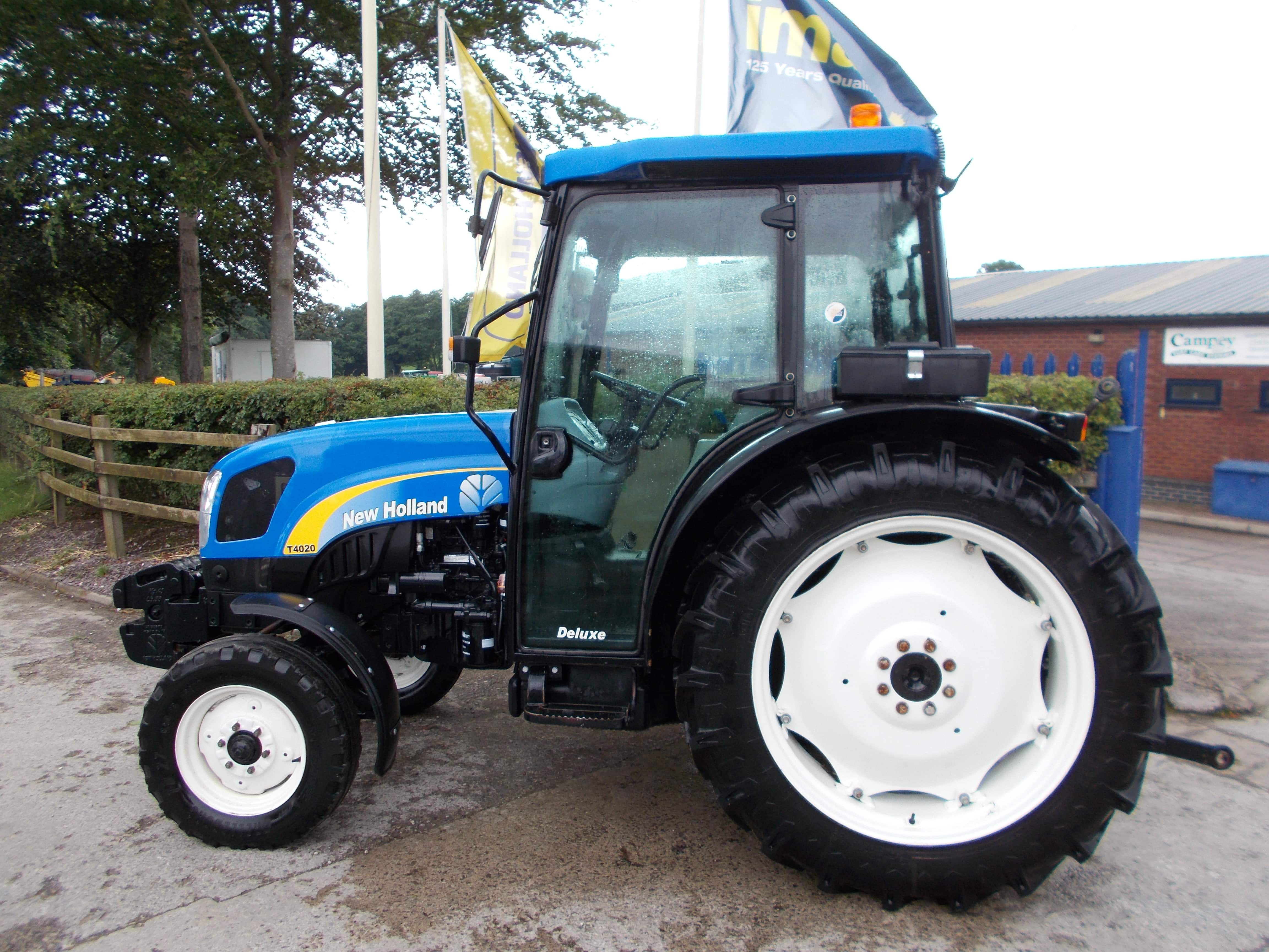 New Holland T4020 Tractor U3718