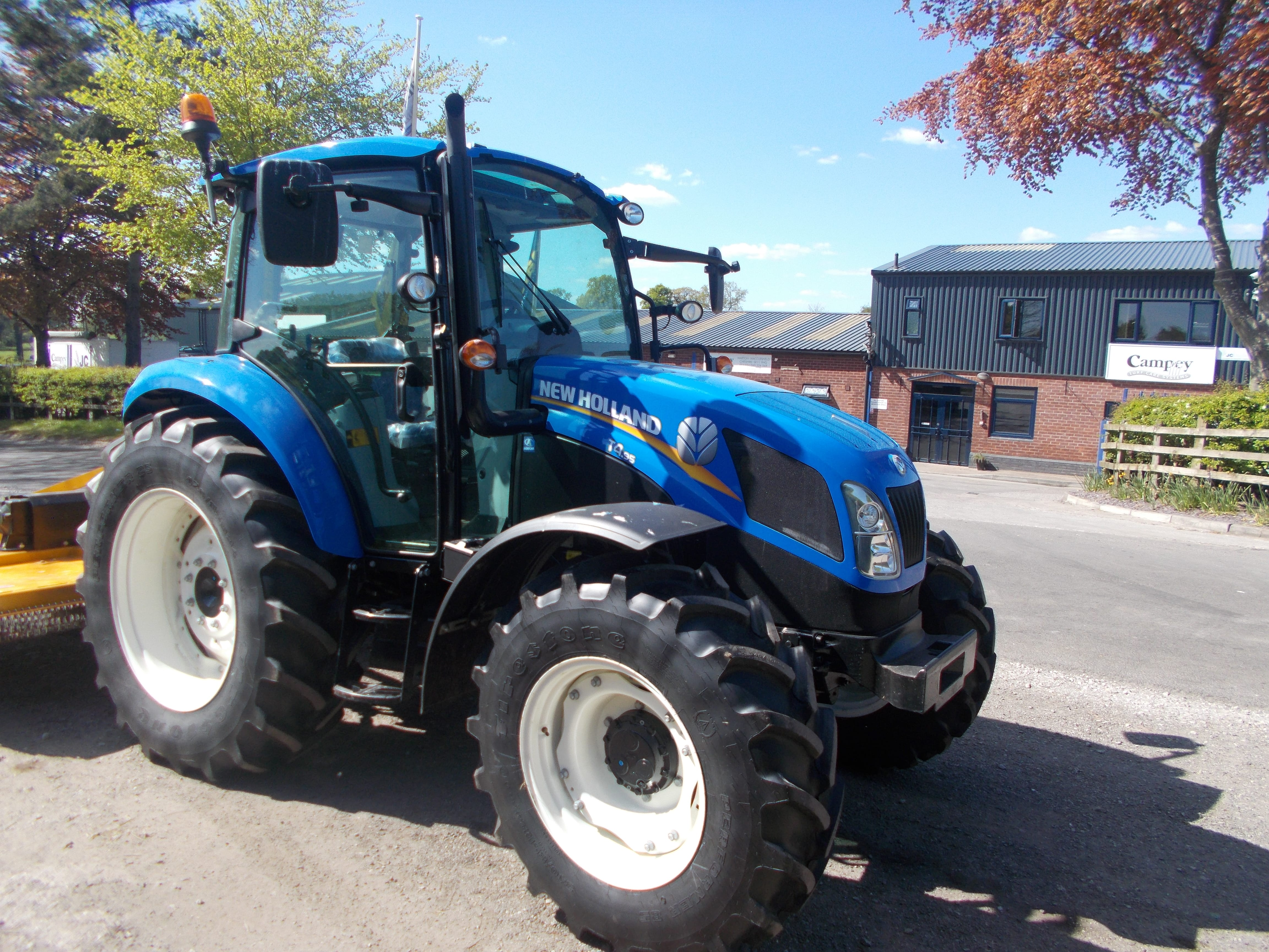 New Holland T4.95 Tractor U3906