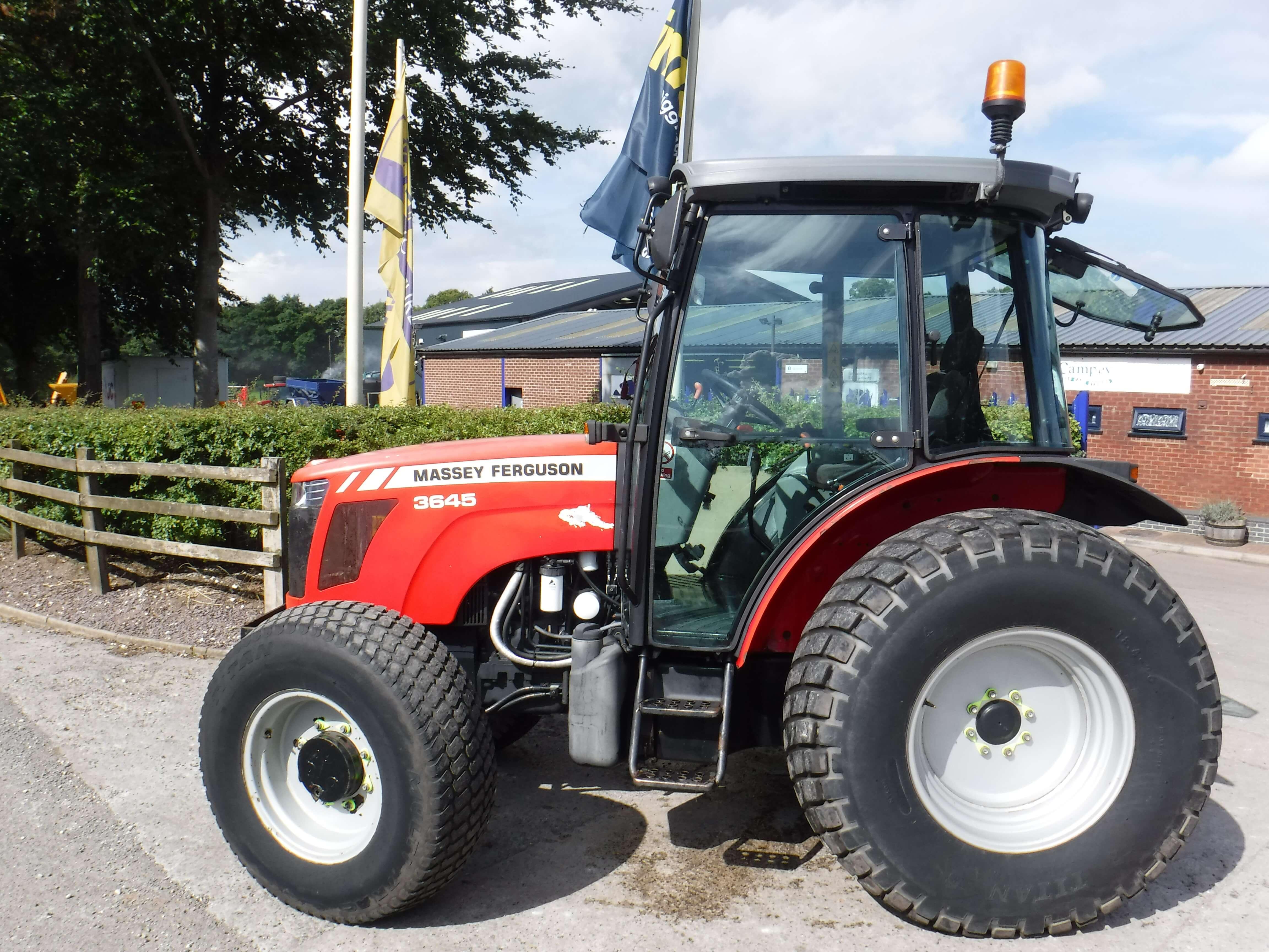 Massey Ferguson 3645 Tractor U3990