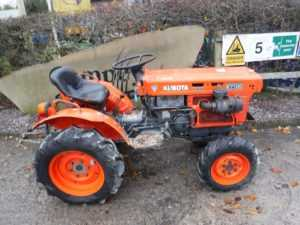Kubota B7100 Tractor - U4052