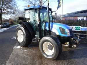 New Holland 4020 Deluxe Tractor - U4056