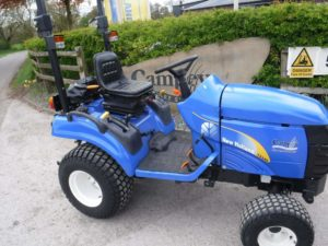 New Holland TZ24D Tractor - U4005