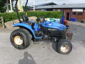 New Holland TC27D Tractor U4221/U4247