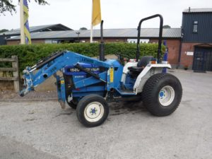New Holland 1520 Tractor U4245
